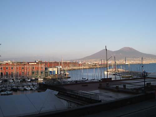 Il Vesuvio da Santa Lucia.