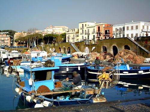 Pozzuoli, scorcio del porto